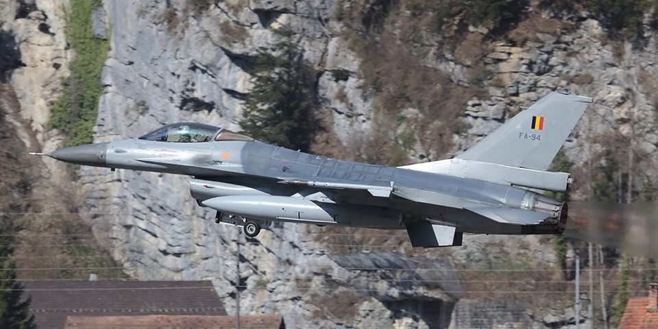 F-16 Fighting Falcons in Meiringen