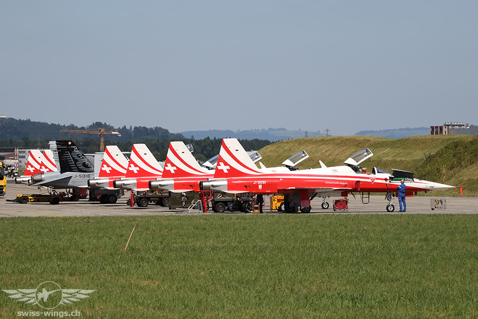 Patrouille Suisse & Swiss Hornet Display Team